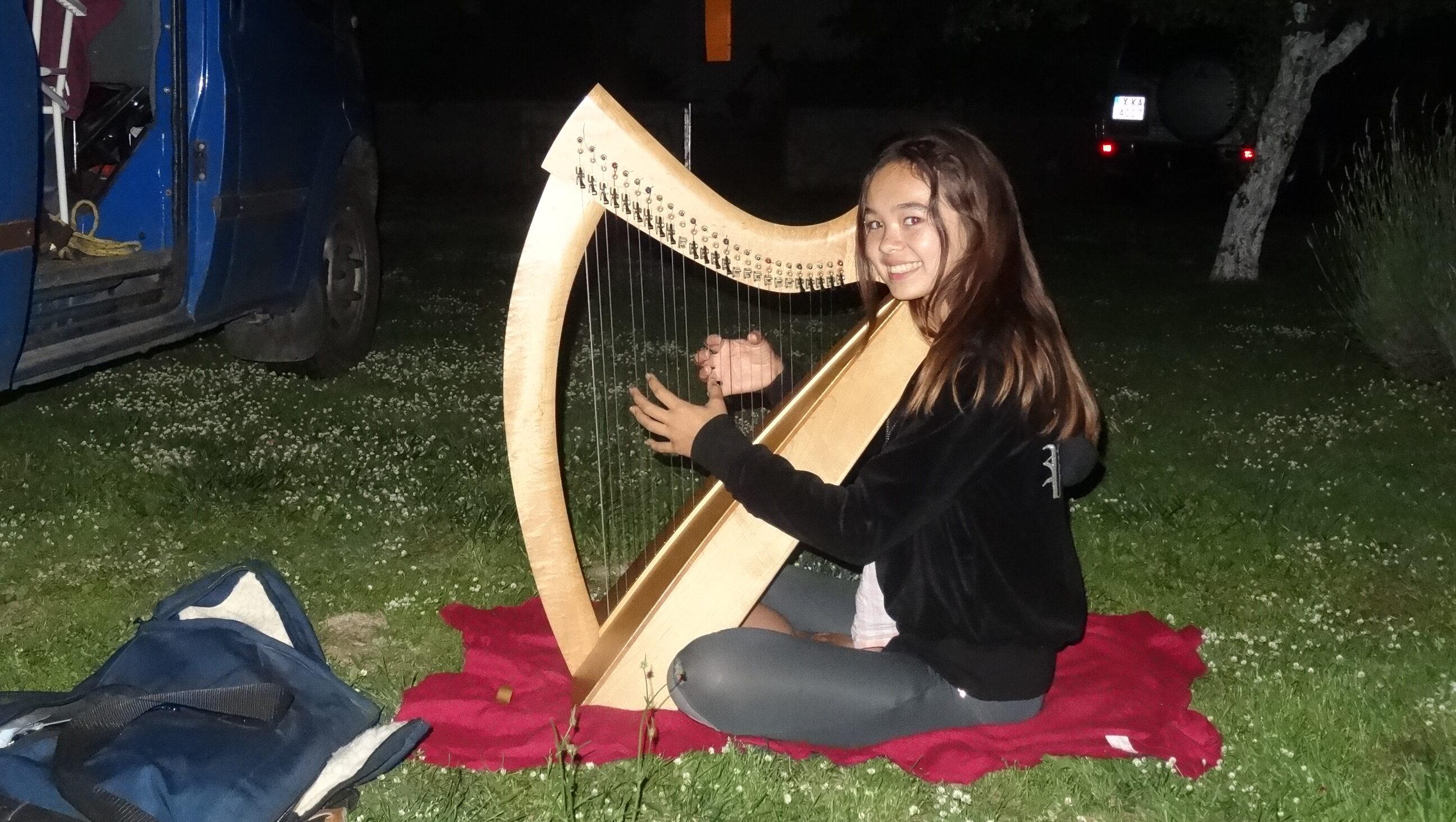Skye Playing